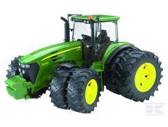 Tracteur John Deere 7930 avec rous jumelées