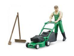 Figurine jardinier avec tondeuse et accessoires BRUDER 62103